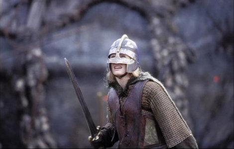 eowyn-and-eowyns-helmet-gallery